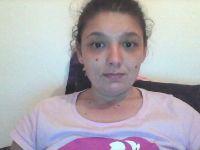 arianna is online