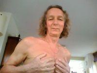 carla69 is online